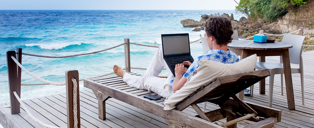 ¿Es buena idea llevarse la computadora de vacaciones?